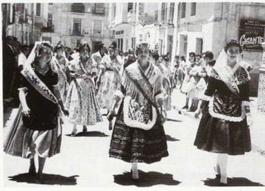 reina-fallas-y-corte-de-honor-1959