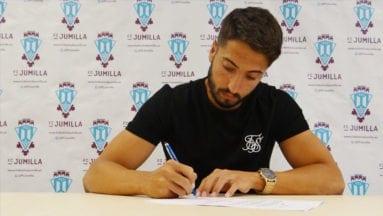 Alejandro Martínez es el primer fichaje del Fútbol Club Jumilla