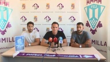 El director deportivo Pedro Asensio fue el encargado de la presentación de los dos jugadores