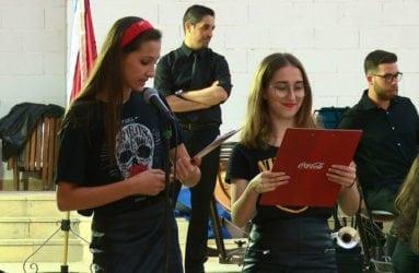 presentadoras-concierto-solidario-cruz-roja-jumilla