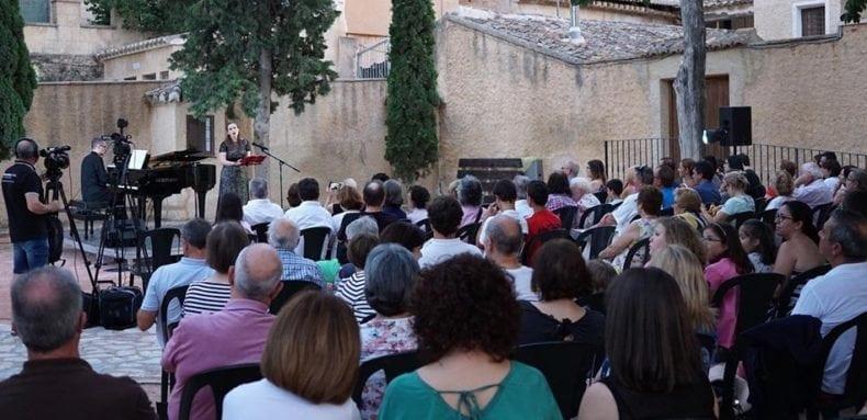 publico-concierto-verano-santa-ana-jumilla
