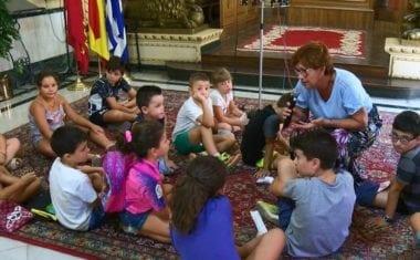 Recibidos en el Ayuntamiento los alumnos de las Ludotectas de Verano