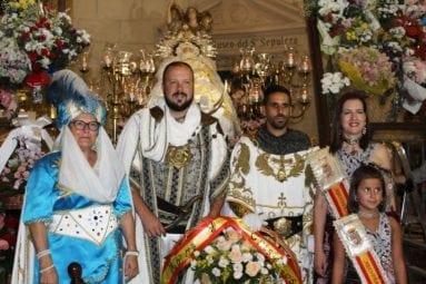 capitanes-y-abanderadas-ofrenda-flores-patrona-jumilla