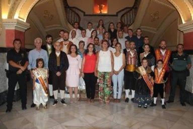colectivos-festeros-en-ayuntamiento-jumilla