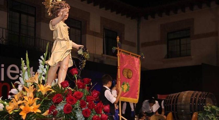 El Niño de las Uvas preside la Ofrenda y Primer Mosto