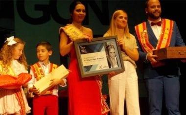 La periodista de COPE Marta Ruiz anuncia en el Teatro Vico las Fiestas de la Vendimia de Jumilla