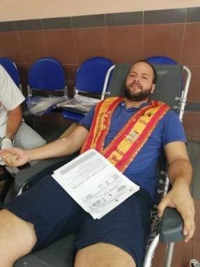 vendimiador-mayor-donando-sangre-jumilla