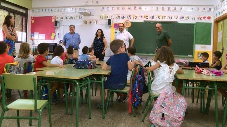 concejales-animan-escolares-jumillanos-a-que-aprovechen-los-estucios