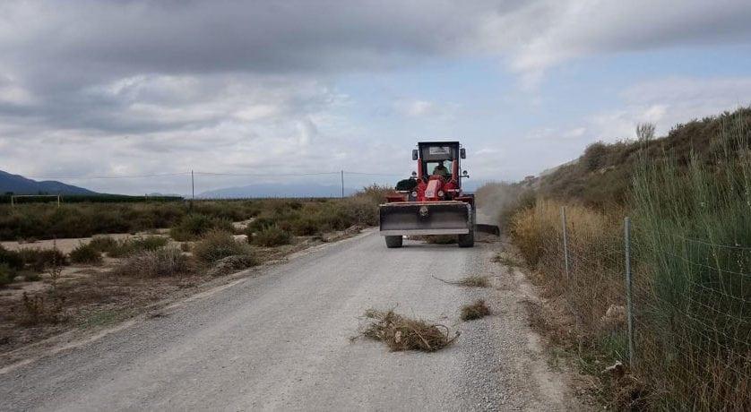 Comienzan las obras de acondicionamiento del firme del camino de Román