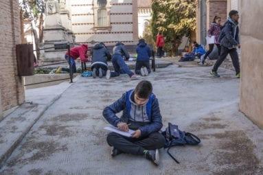 alumnos-dibujan-cementerio-jumilla