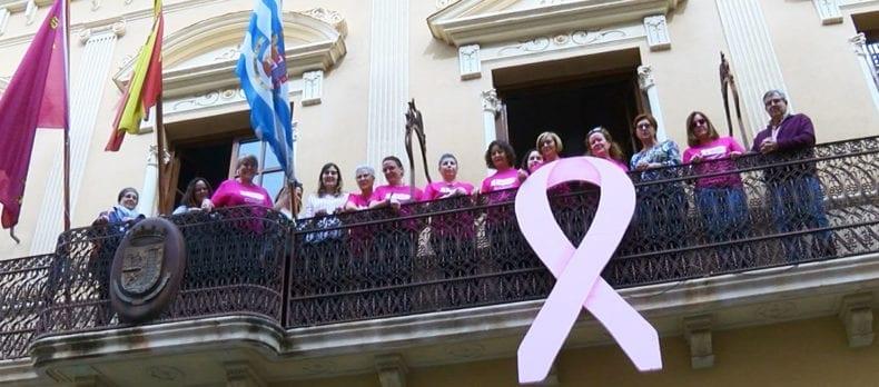 lazo-rosa-balcon-ayuntamiento-jumilla