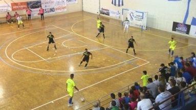 Los locales jugaron de cinco los últimos nueve minutos de partido