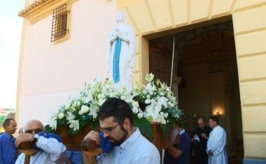 La imagen Nuestra Señora de Lourdes de peregrinación por las parroquias de Jumilla