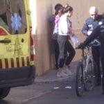Servicios de emergencia atienden a un ciclista herido grave tras un accidente de tráfico ocurrido en Jumilla