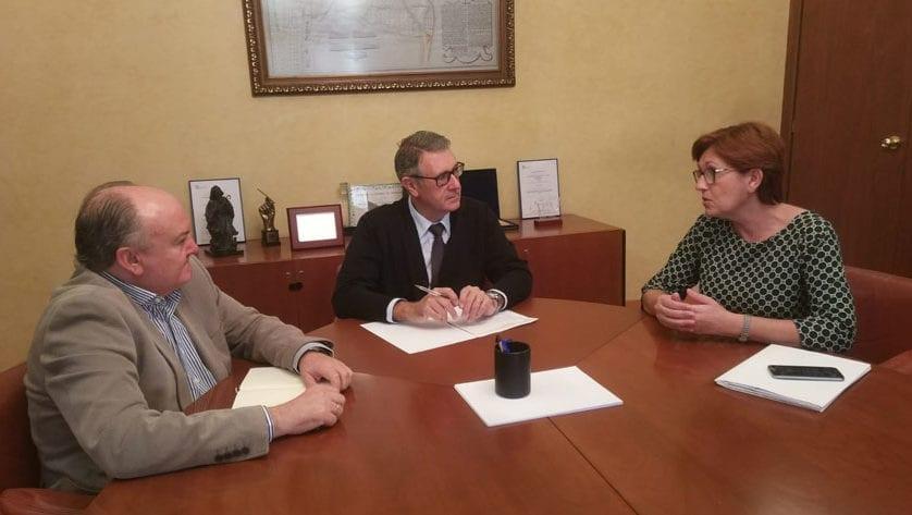 La alcaldesa traslada a la CHS su preocupación por el nivel de los acuíferos en Jumilla