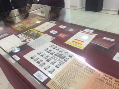 vitrina-exposicion-aniversario-constitucion-jumilla