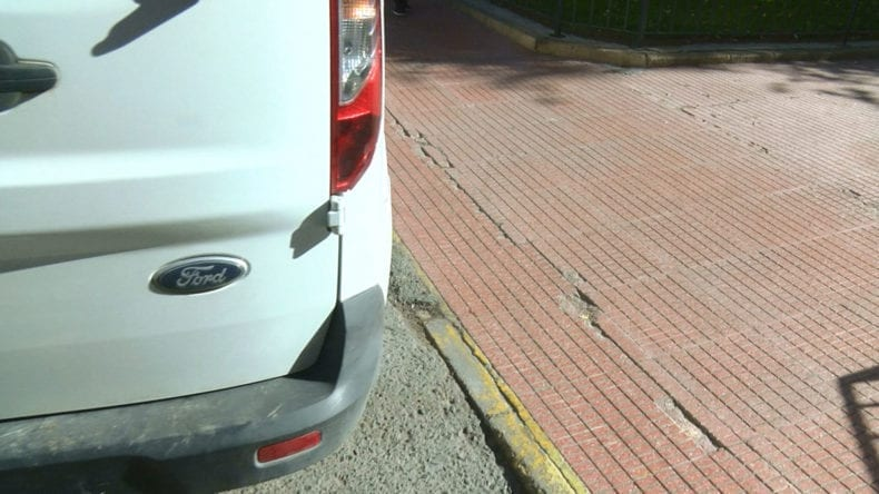 coche-invade-acceso-personas-discapacidad-jumilla