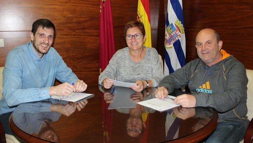 El FC Jumilla, Jumilla FS y la Escuela de Fútbol Base firman sus convenios deportivos 2018