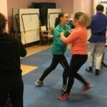 Juventud ofrece un curso de defensa personal