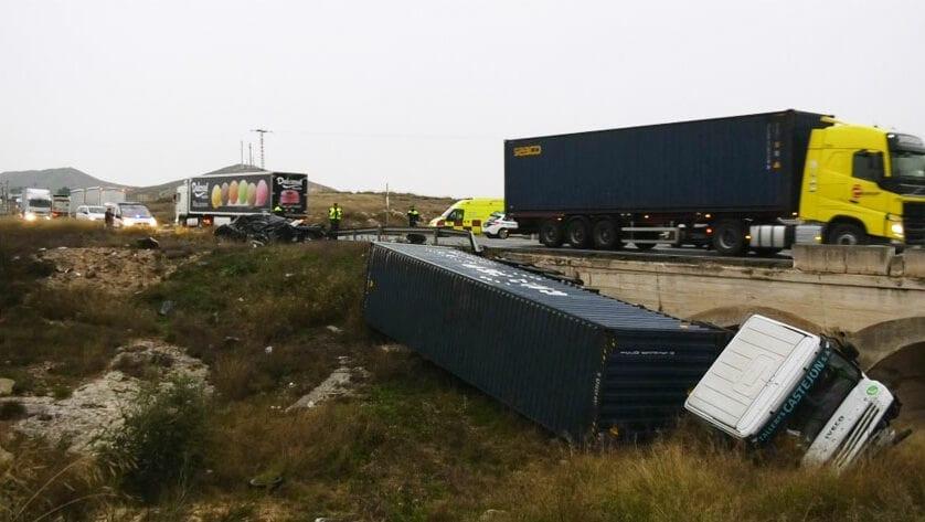 Fallece la jumillana que esta mañana ha sufrido un accidente en la carretera de Caudete