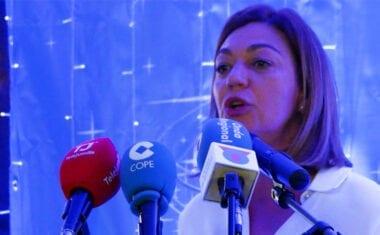 """El Partido Popular de Jumilla entrega su """"Insignia de Honor"""" durante la Cena de Navidad"""