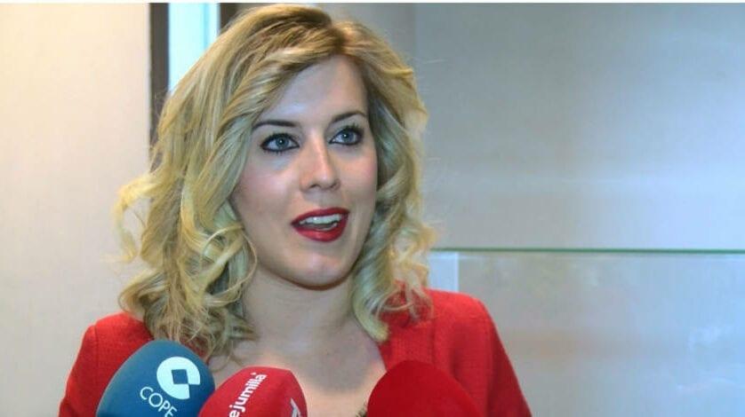 La Asamblea promueve una publicación de Estefanía Gómez sobre Jumilla en la Edad Media