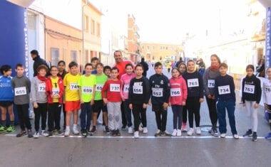 Decenas de escolares participaron en el Cross de San Antón