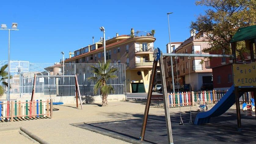 Los juegos infantiles de la avenida Ronda Poniente se podrán utilizar a cualquier hora