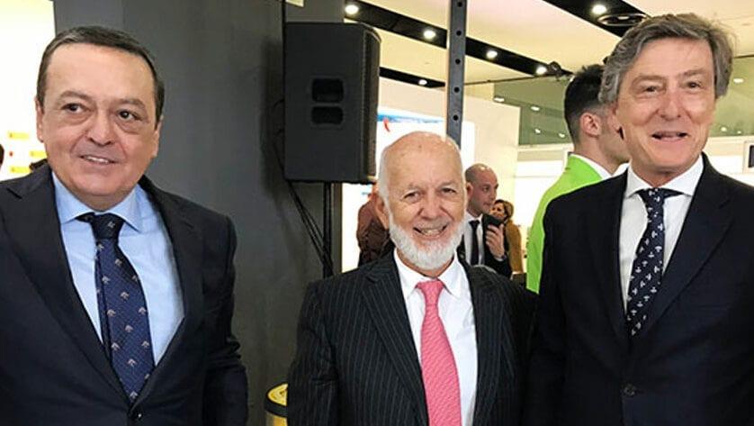 Para García Carrión el aeropuerto de Murcia será clave para traer a sus clientes internacionales a Jumilla