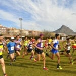 Mas de medio millar de atletas llenaron el Municipal de La Hoya