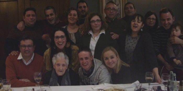 Abuela Jumilla y nietos