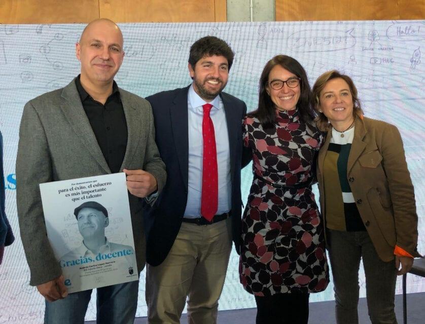El gobierno regional homenajea al docente jumillano Andrés Carlos López Herrero