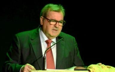 Juan Chupe presentador libro Sentencia Jumilla