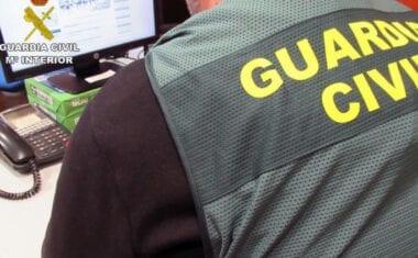 La Guardia Civil detiene a una persona e investiga a otras tres por simulación de delitos y estafa