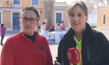 Valerie Durán y Eva Lencina, presidenta del AMPA y directora del CEIP Mariano Suárez respectivamente