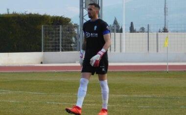 El gol del Recreativo ante el FC Jumilla llegó tras cometer falta sobre el portero vinícola