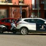 Accidente de tráfico en Ronda Poniente y asalto a una tienda de ropa infantil