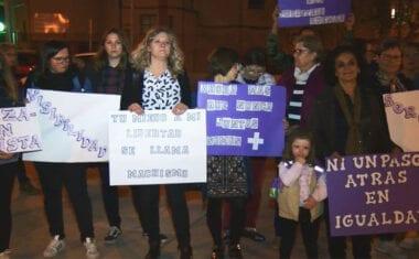 """La Asociación de Lucha por la Igualdad """"ALI"""" vuelve a concentrarse en la Plaza de la Alcoholera"""