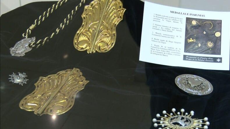 Medallas e insignias expuestas