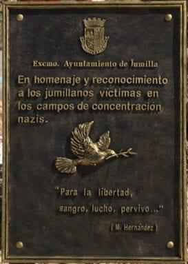 Placa conmemorativa de los jumillanos deportados