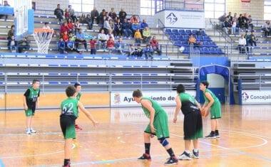 El equipo de minibasket de la Escuela Municipal de Baloncesto termina la fase regular con victoria