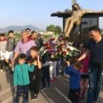 El Cristo de la Reja es recibido por multitud de niños