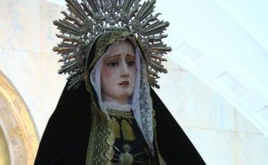 La Procesión de las Promesas del Santo Rosario es bien recibida por los jumillanos