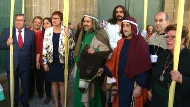 Llegada de la comitiva a la Iglesia de Santiago