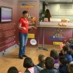 Cientos de escolares conocen las bondades de la Dieta Mediterránea en el Gastrobús