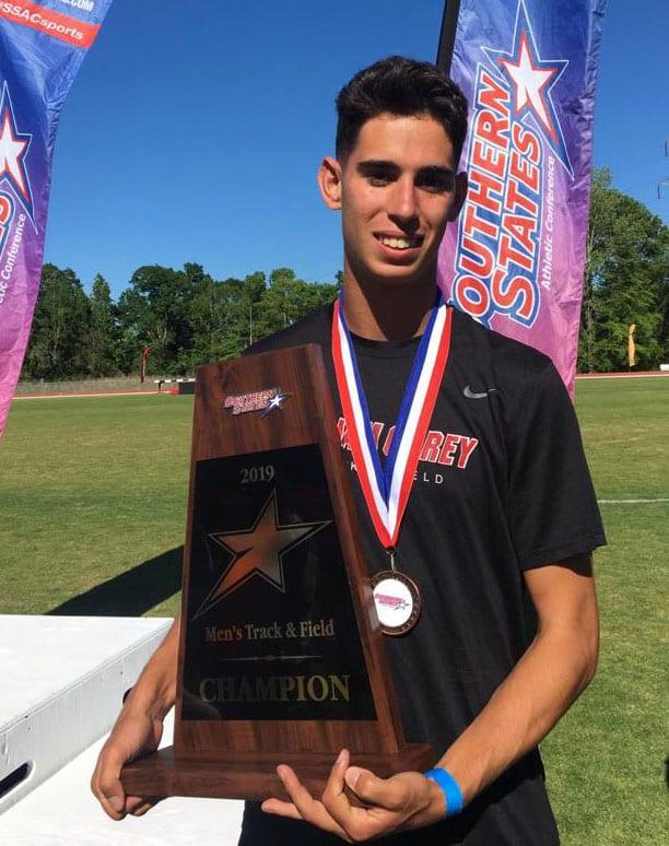 Bronce para Martón Ortiz en los 400 metros vallas en la Confederación de los Estados del Sur
