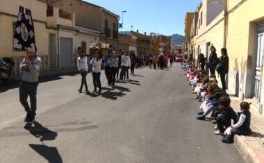 Los colegios Nuestra Señora de la Asunción y San Francisco han dado el pistoletazo de salida a las procesiones infantiles