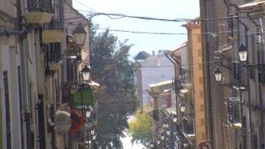 Alumbrado y cableado público en calle Pasos