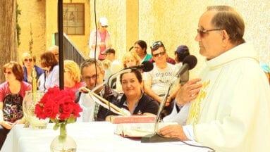 El padre Oliver celebra el 50 aniversario de su ordenación