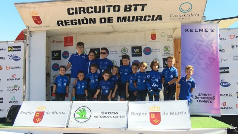 Numerosa participación de la Escuela Ciclismo Jumilla en la primera Kid Series celebrada en Jumilla
